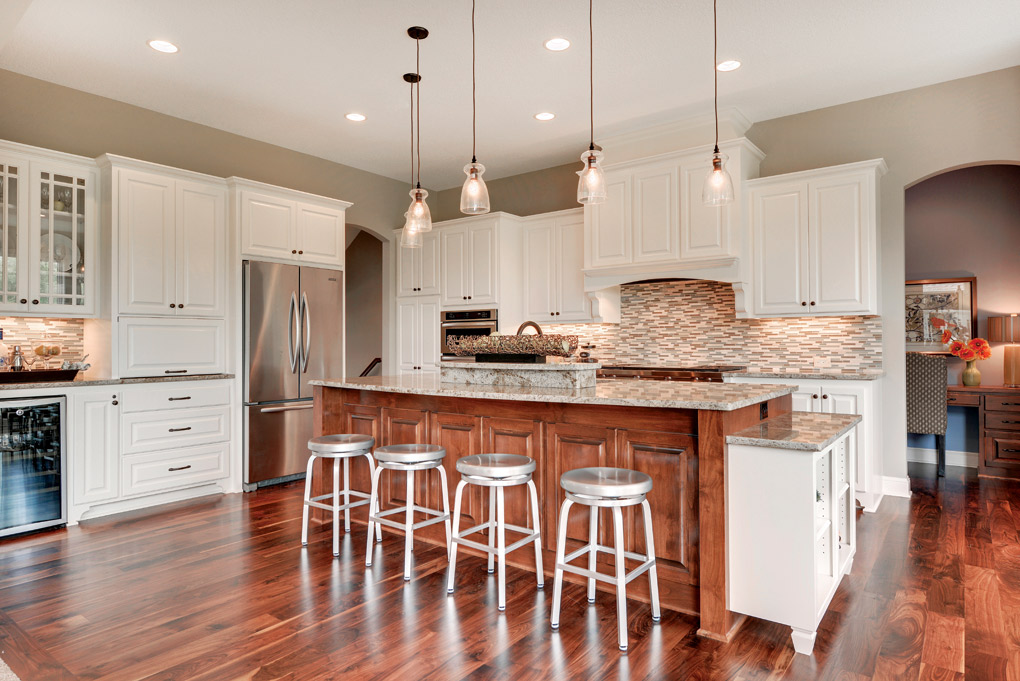 Luxury-Home-Tour_Creek-Hill-Custom-Homes_Kitchen