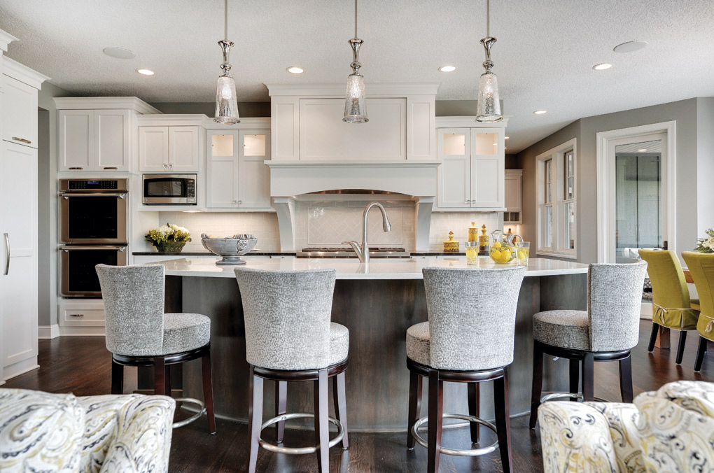 Luxury-Home-Tour_Swanson-Homes_Kitchen