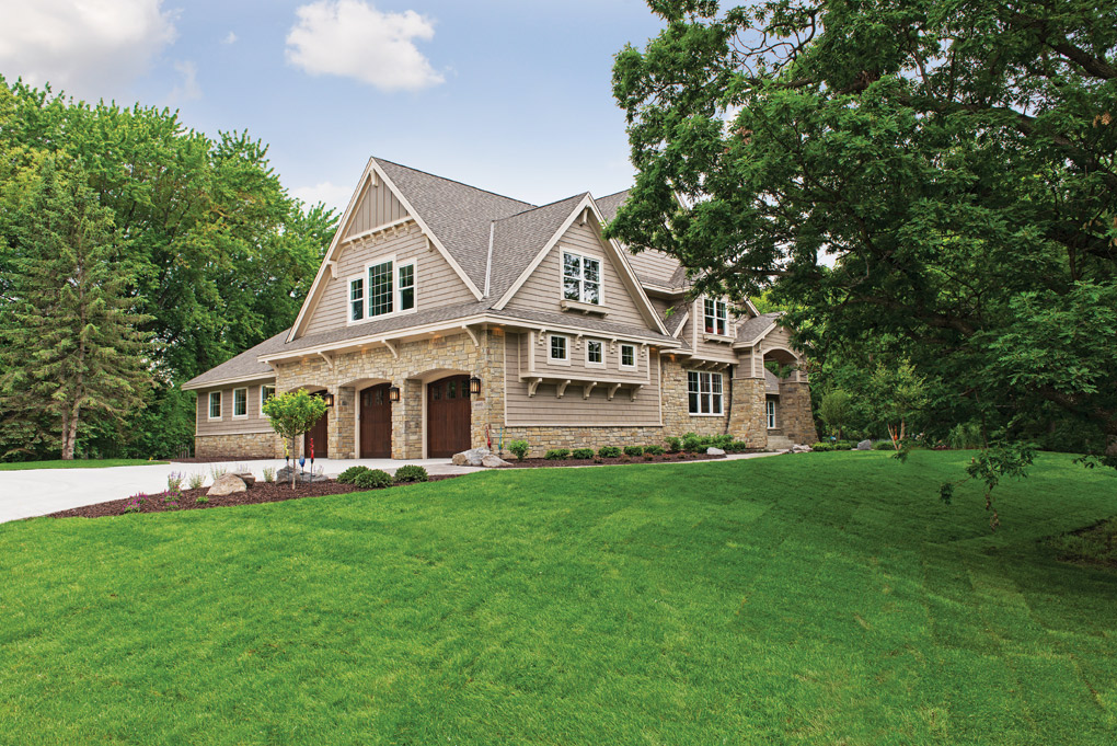 Luxury-Home-Tour_Traditions_Donnay-Homes_Exterior