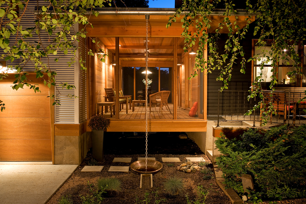 "Odor designed a screened-in town ""cabin"" to span the gap between this south Minneapolis home and garage."